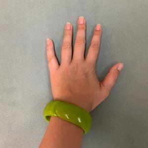 Vintage lime green lucite clamper bangle bracelet